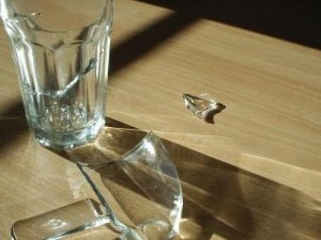 reflexiones-de-un-vaso-roto_2158974